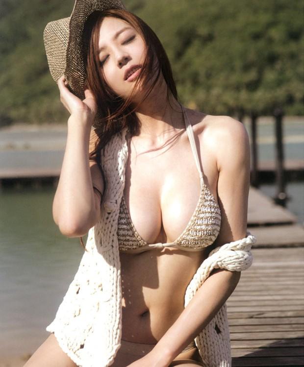 超级名模周韦彤大胆半裸写真 超诱人